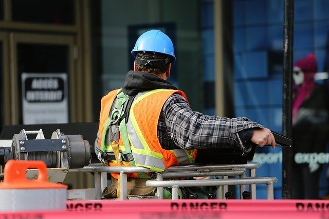 BB Gunn Contracting Ltd. Maintains an industry-leading health and safety policy and procedure program. All our employees are provided with quality equipment and training to ensure everyone returns home safe. IHSA (Infrastructure Health and Safety Association) member