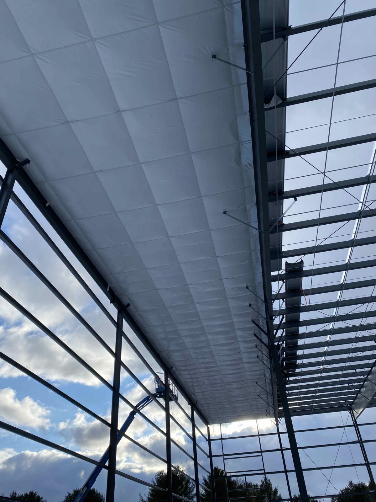 Photos of LOBO Development Warehouse - BB GUNN offers pre-engineered metal building erecting, installation of wall cladding systems, steel roofs and insulated metal panel, structural steel, welding, and steel decking.